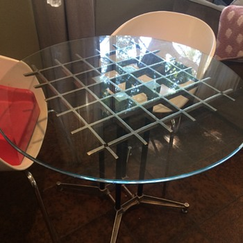 An incredible dinette table, but by who?