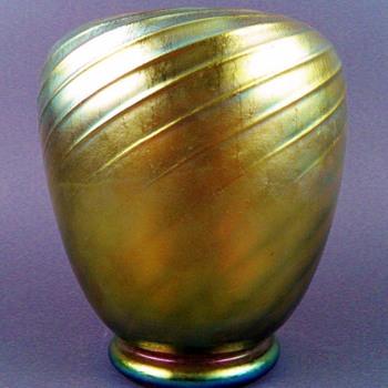 Steuben Gold Aurene Spiral Ribbed Vase (shape 6031).