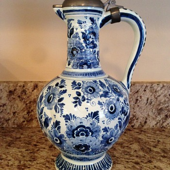 oud Delft pitcher, jar, footed bowl