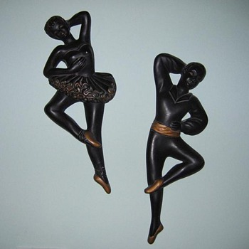 Black & gold ballerina chalkware couple  - Figurines