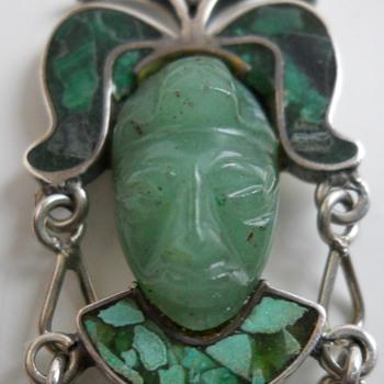 """Mexico Silver Pendant""""Stone mask""""20 Century - Fine Jewelry"""