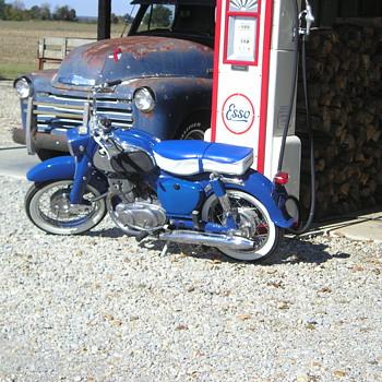 1960 Honda C 72 - Motorcycles