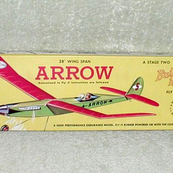 "1966 - Guillow's ""Arrow"" Balsa Airplane Kit - Toys"