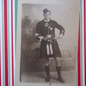 POSTCARD PHOTO--FINE FIGURE OF A MAN WITH BEAUTIFUL LEGS 1918