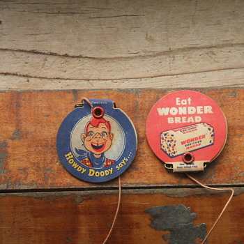 Wonder Bread Promos - Medals Pins and Badges