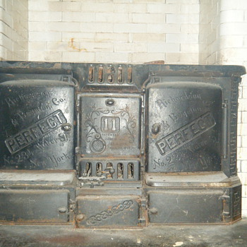 1885 Cast iron Richardson Boynton Perfect Stove