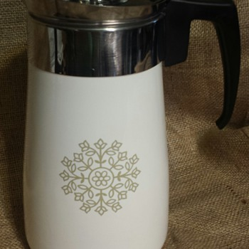 Corning Ware 9 cup Olive Green Medallion Percolator  - Kitchen