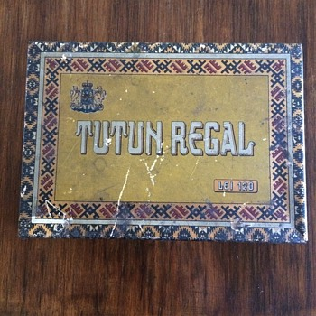 My prefered tin...Tutun Regal Romanian Collectible Tobacco Tin