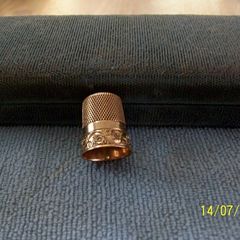 Mid-1800's ?gold thimble - Sewing