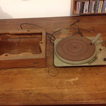 vintage all metal turntable phonograph with base   - Electronics