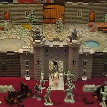 Marx Fighting Knights Playset 1967 - Toys