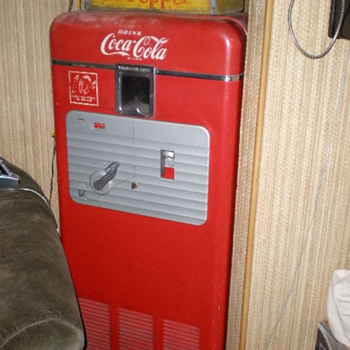 Coke Vendolator 27A said to orig. come from a Sebastopol, CA. gas station - Coca-Cola