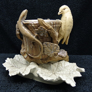 BIRD AND LIZARD ART POTTERY ???