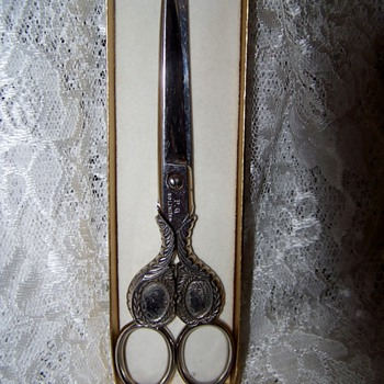 Solingen Commerative Scissors for wedding of Whilhelm & Victoria - Sewing