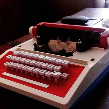 Sears Holiday II Typewriter - Toys