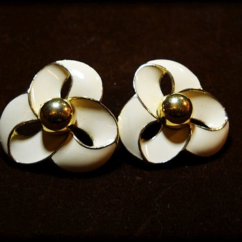 Vintage Enameled Marked TRIFARI Earrings - Costume Jewelry
