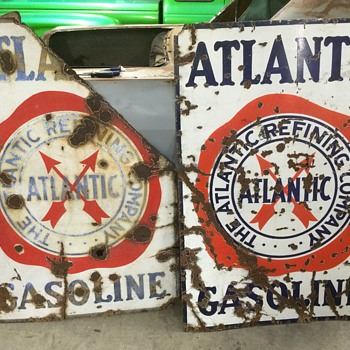 Twins 1930 Atlatic Gasoline signs - Petroliana