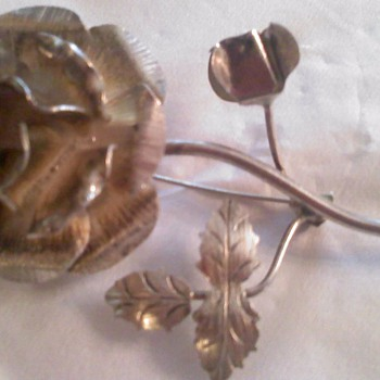 Silver Flower pin  - Fine Jewelry