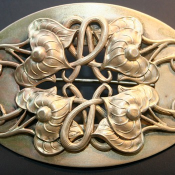 Antique Art Nouveau Brass C Clasp Sash Ornate Brooch Pin Gold Tone - Costume Jewelry