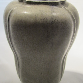 Arne Bang vase - uniqe danish pottery vase
