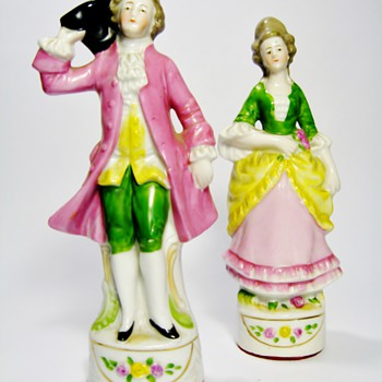 ANTIQUE GERMAN PORCELAIN FIGURINES /4685 - Figurines