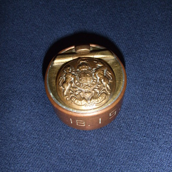 WW1 Trench Art inkwell with General Service Button
