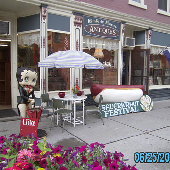 Vintage Betty Boop Vintage 6' Hot Dog &  Phelps Sauerkraut Festival Sign - Advertising