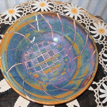 Art Pottery Bowl - Art Pottery