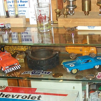 Rare pie/pastry cafe display case