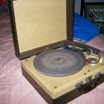 Let's Go To The Hop! Montgomery Ward Airline Record Player