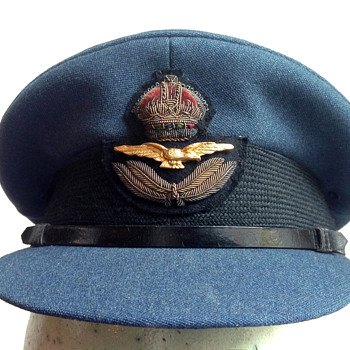 RAF officer's hat, ca. 1943. - Military and Wartime