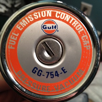 Gulf Oil Fuel Emissions Gas Cap - Petroliana