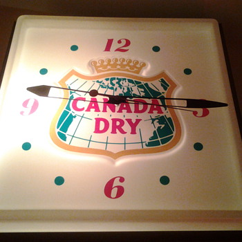 Canada Dry advertising clock