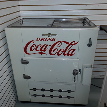 Recently bought this Coke Machine...but dont know what I have? - Coca-Cola