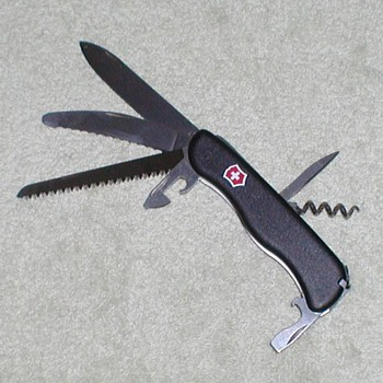 2000 Victorinox Swiss Army Knife - Black - Tools and Hardware