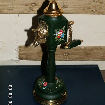 Vintage Reuge Music Box Peppermill  ~Switzerland