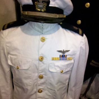 WWII US Navy pilot summer whites dress uniform