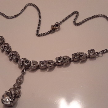Another 1950s rhinestone necklace