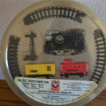 Lionel Popcorn Giveaway Train - Model Trains