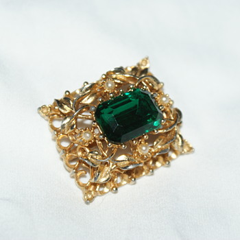 Coro Vintage Brooch - Costume Jewelry