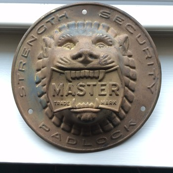Vintage MASTER LOCKS display Lion  - Advertising