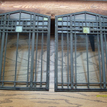 Two Leaded Glass Pains