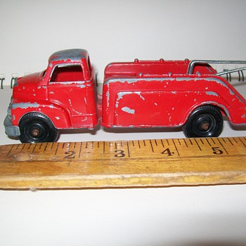 Tru-Scale Diecast Wrecker - Model Cars