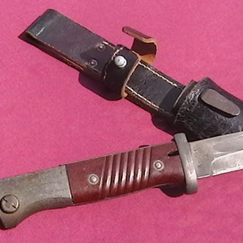 WW II Late War K 98 Bayonet with Late War Frog - Military and Wartime