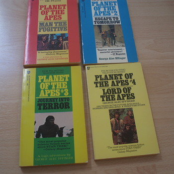 PLANET OF THE APES 1974 AWARD POCKET BOOKS
