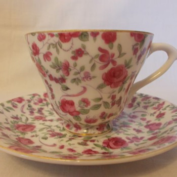 Greatcrest tea cup and saucer set
