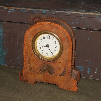 Leather Covered Desk?Dresser Clock