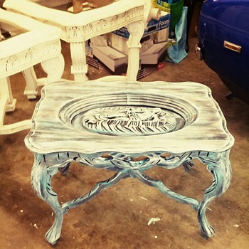 who made this table? - Furniture
