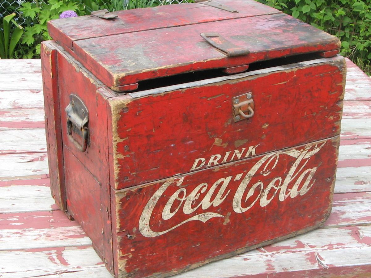 wooden coca cola cooler collectors weekly. Black Bedroom Furniture Sets. Home Design Ideas