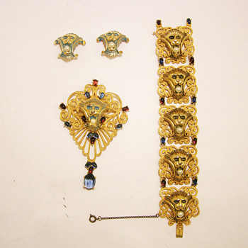 Vintage Joseph Mazer Art Deco Lion Bracelet - Costume Jewelry
